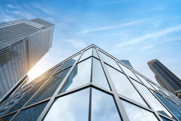 Edificio de oficinas del centro financiero Foto Premium