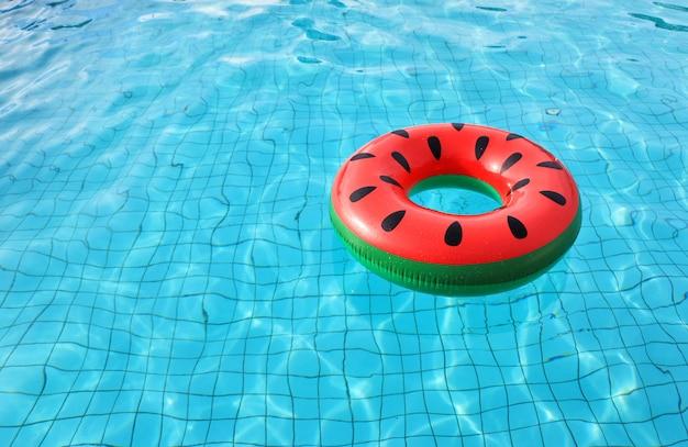 El anillo de vida de sand a en la piscina descargar for Fotos follando en la piscina