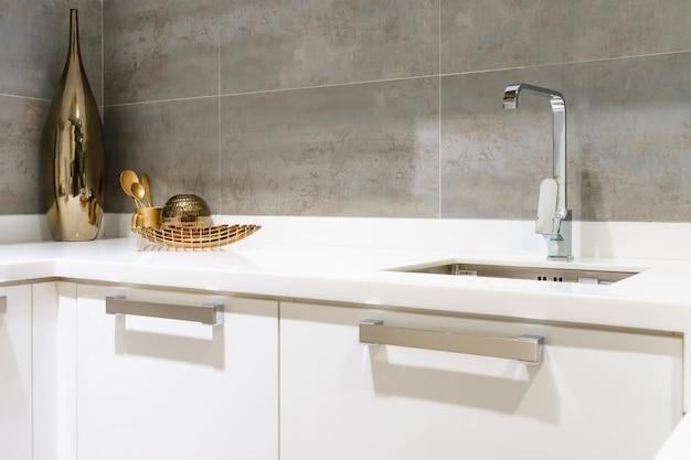 Encimera de cocina blanca con granito blanco descargar - Encimera para cocina blanca ...