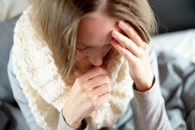 Nariz que moquea fría durante el embarazo