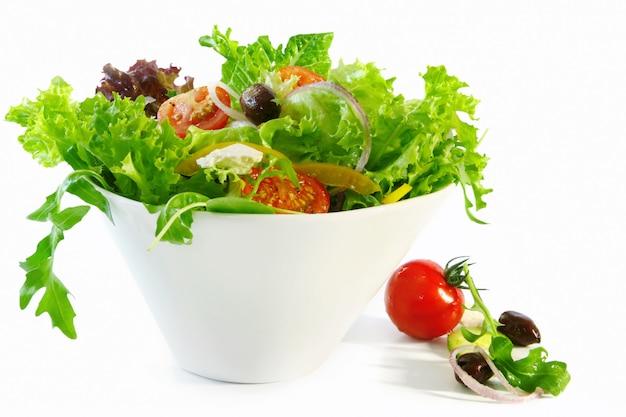 Ensalada de verduras frescas Foto Premium