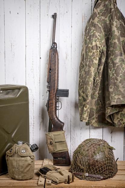 Equipo militar estadounidense de la segunda guerra mundial Foto Premium