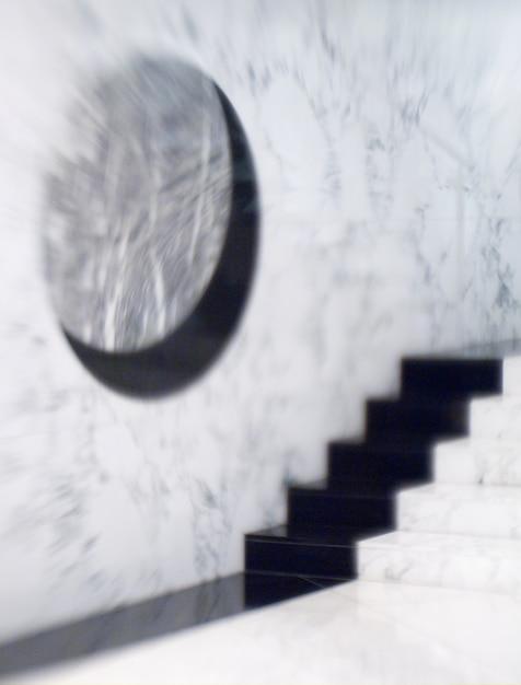 Escalera por muro (b & w) Foto Premium