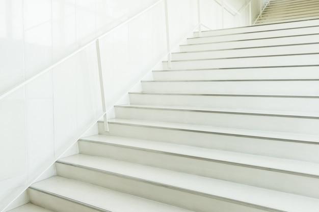 Escaleras blancas desenfocadas descargar fotos gratis - Escaleras blancas ...