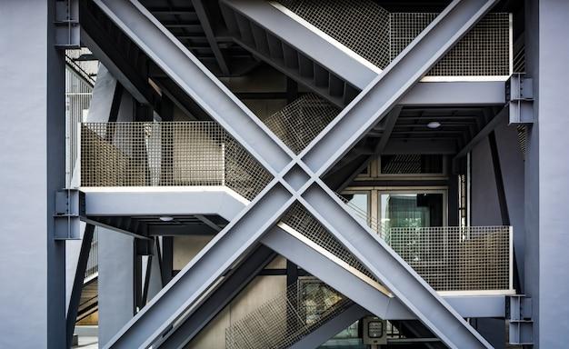 Escaleras negras vacías en metro peatonal. render 3d Foto gratis