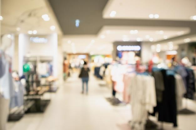 Escaparate de la tienda de ropa en el centro comercial Foto Premium
