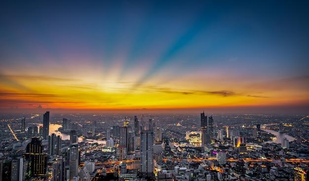 Escena nocturna paisaje urbano Foto Premium