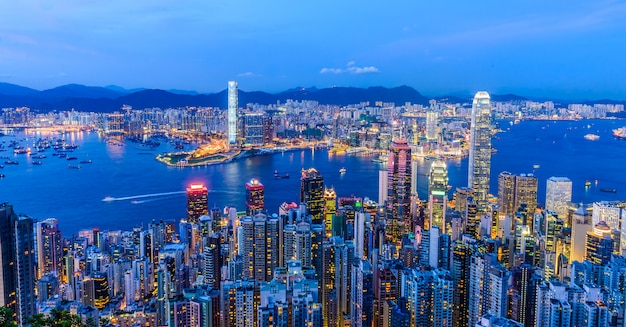 Escena del puerto de victoria en hong kong. puerto victoria Foto gratis