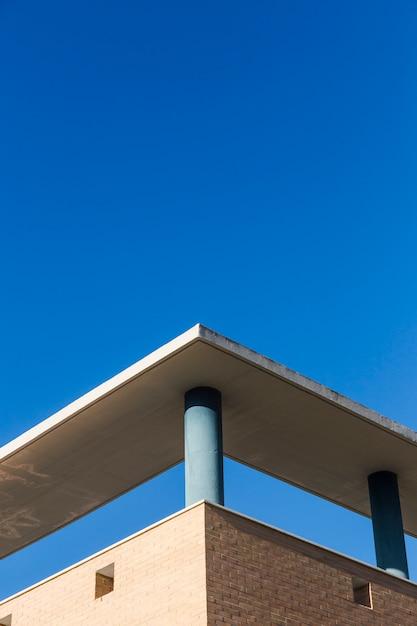 Esquina edificio de la ciudad Foto gratis