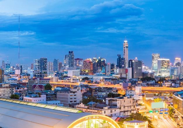 Estación central de trenes panorama bangkok Foto Premium