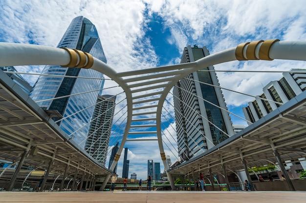 Estación de skytrain chong nonsi en bangkok, tailandia Foto Premium