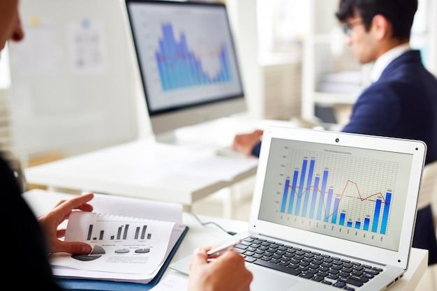 Estadísticas en línea Foto gratis