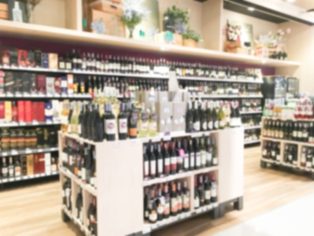 Estanter as borrosas con botellas de vino descargar - Estanterias de vino ...