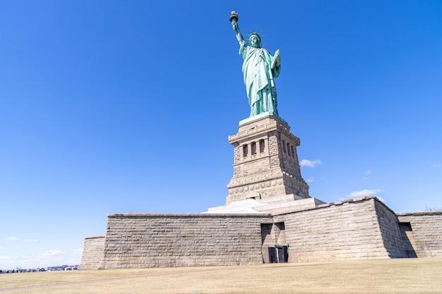 Estatua de la libertad nueva york Foto Premium