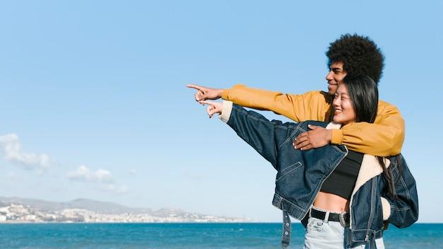Estilo de vida de pareja joven Foto gratis