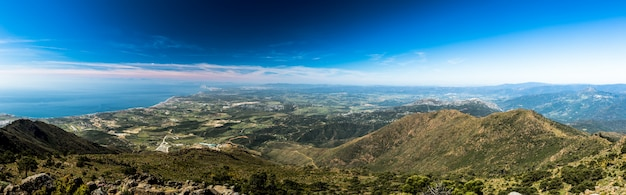 El estrecho de gibraltar desde sierra bermeja Foto Premium