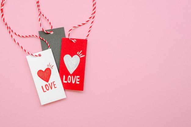 Etiquetas de concepto de amor con espacio de copia Foto gratis