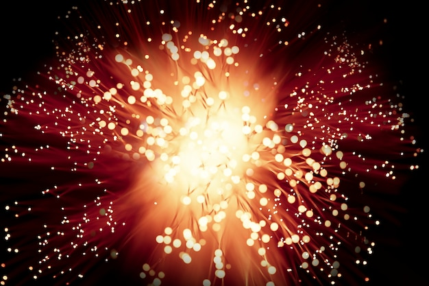 Explosión de fuegos artificiales de gran alcance en la noche Foto gratis