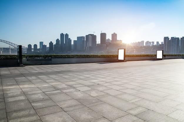 Cuadro de entrada fotos y vectores gratis for Exterior edificios