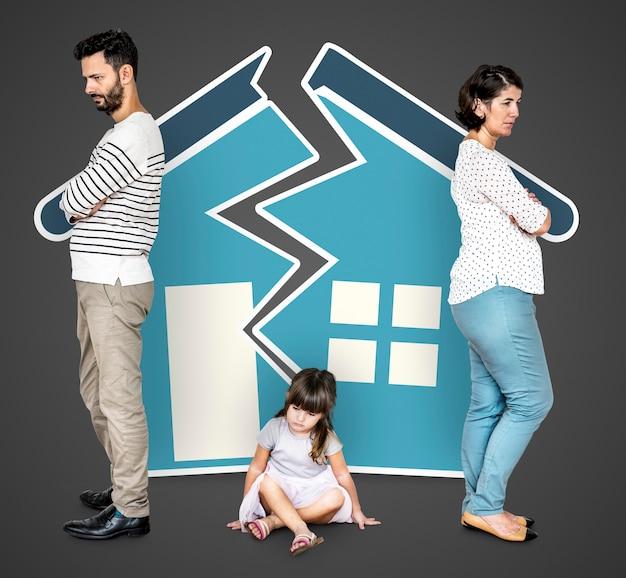 Familia enojada divorciada Foto gratis