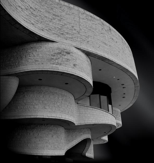 Famoso museo canadiense de historia tocando el mágico cielo nocturno en gatineau, canadá Foto gratis