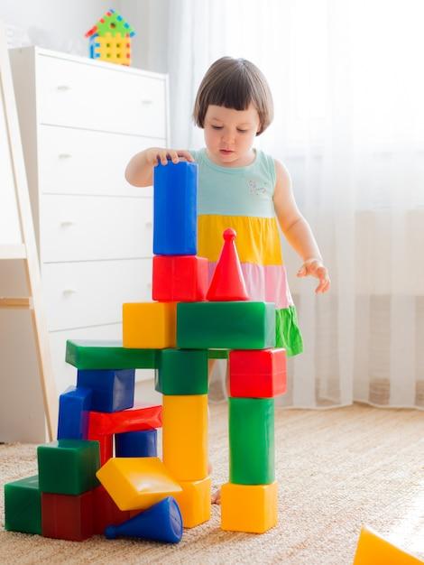 Edad Juegan Preescolar Con Niños Juguete Bloques En De Felices A54RL3j