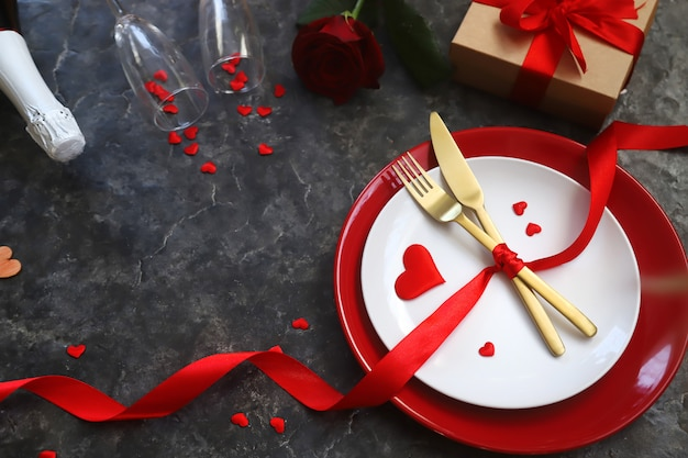 Felicitación cena romántica de san valentín. Foto Premium