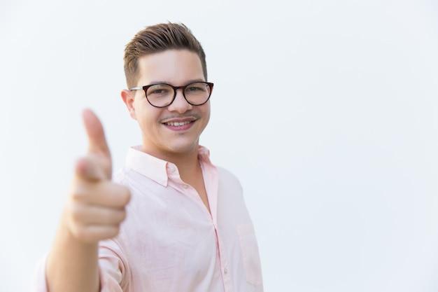 Feliz dedo índice profesional alegre alegre Foto gratis