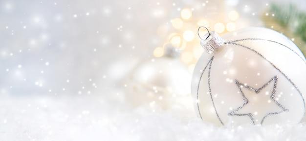 Feliz navidad y feliz año nuevo, fondo de tarjeta de felicitación de vacaciones. Foto Premium