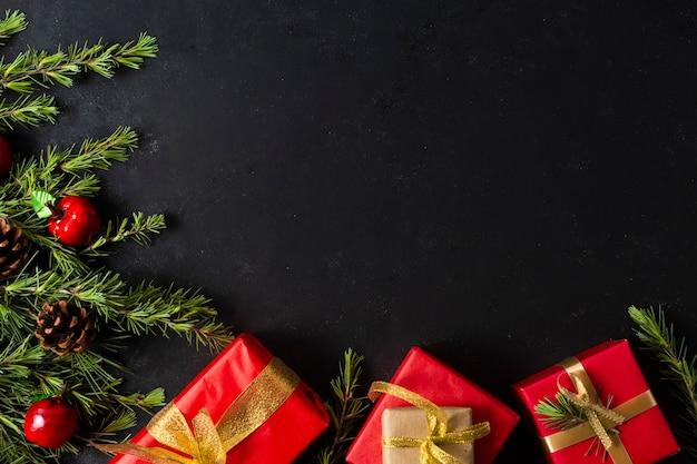 Flat lay regalos de navidad con espacio de copia Foto gratis