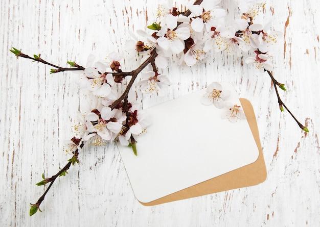 Flor con tarjeta Foto Premium