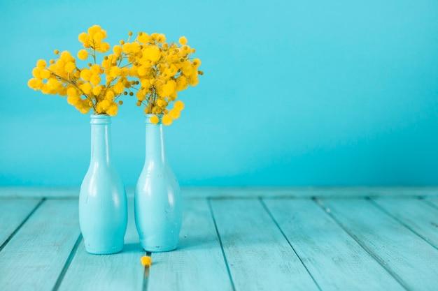 Fondo Azul Con Flores Amarillas