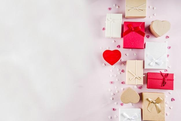 Fondo de cajas de regalo de regalos de san valentín Foto Premium