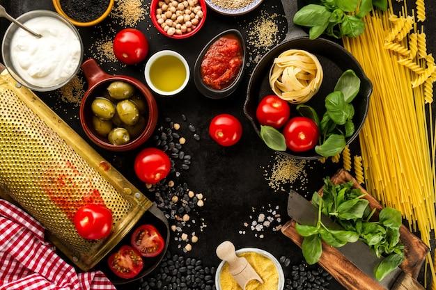 Fondo de alimentos concepto de alimentos con varios for Ingredientes para comida