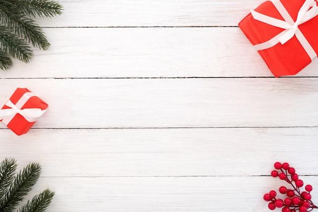 Fondo de la navidad y del año nuevo. marco de navidad de hojas de ...