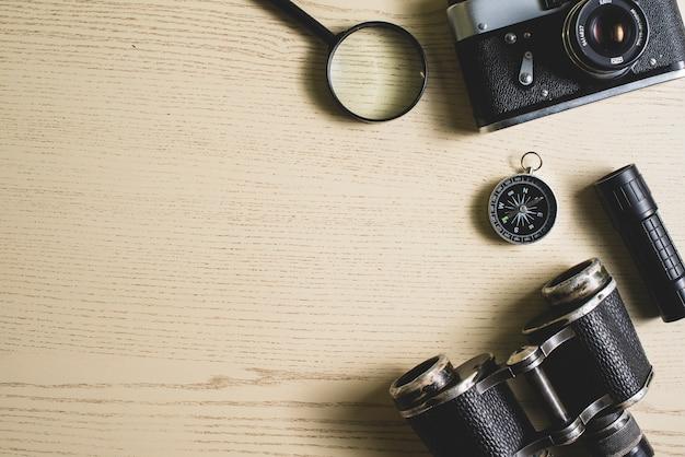 fondo de viaje con objetos vintage y espacio en blanco foto gratis