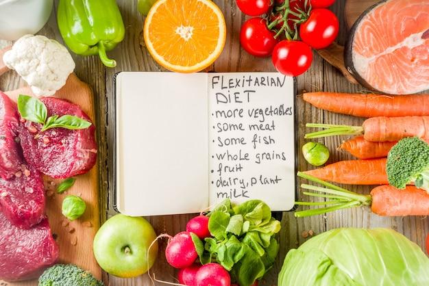 Fondo de dieta flexitaria ingredientes alimenticios, carne, marisco y verduras Foto Premium
