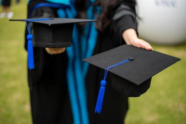 Fondo de estudiante universitario graduado Foto Premium