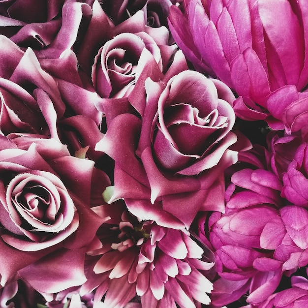 Fondo de flores de rosas de papel Foto gratis