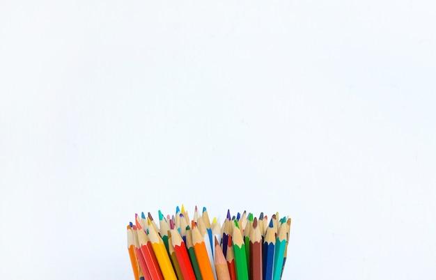 Fondo de lápices de colores blanco Foto Premium
