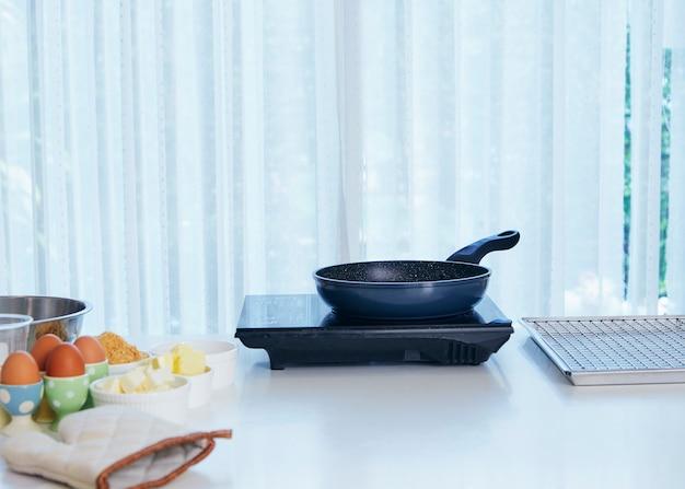 Fondo de mesa en la cocina. | Descargar Fotos premium