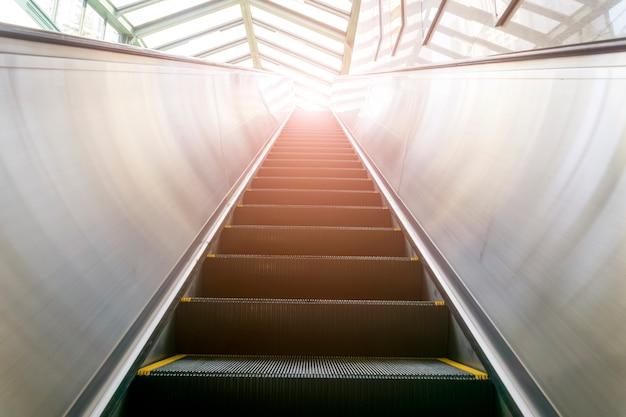 Fondo de la tecnología del horizonte del tren eléctrico Foto gratis