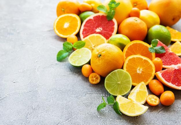 Frutas cítricas frescas Foto Premium