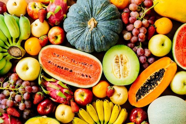 Frutas variadas y mixtas. Foto gratis
