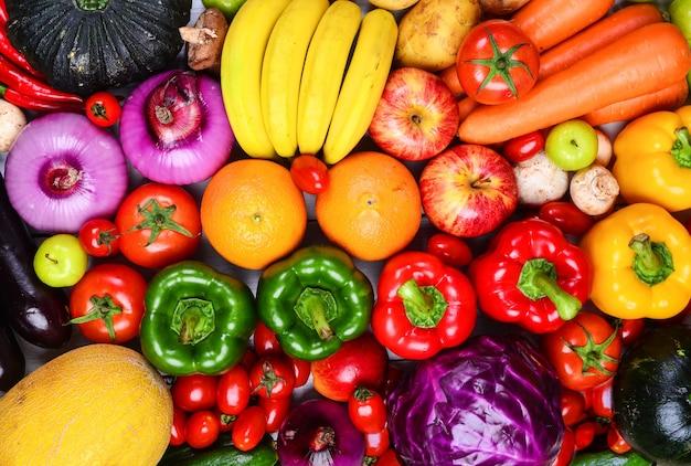 Frutas y verduras blancas, rojas y amarillas