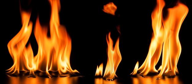 Fuego sobre fondo negro Foto gratis