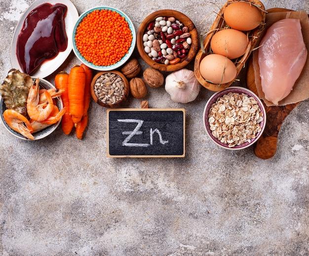 Fuentes de productos saludables de zinc. Foto Premium