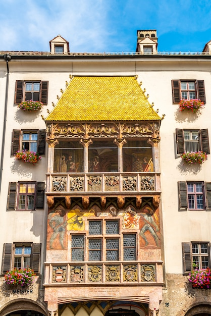 Goldenes dachl en innsbruck en austria. Foto Premium