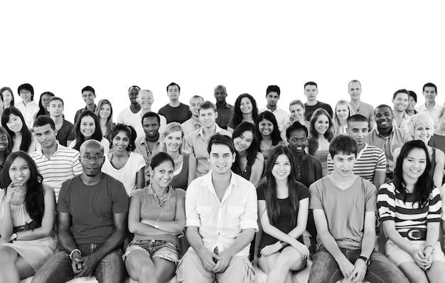 Gran grupo de personas diversas. Foto Premium