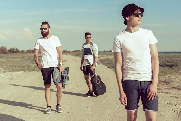 Grupo musical posando Foto Premium